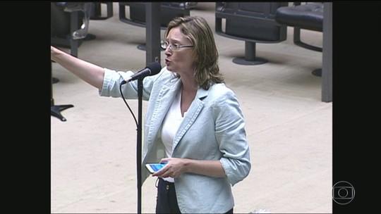 Por ordem da Justiça, Bolsonaro pede desculpas a Maria do Rosário (PT)