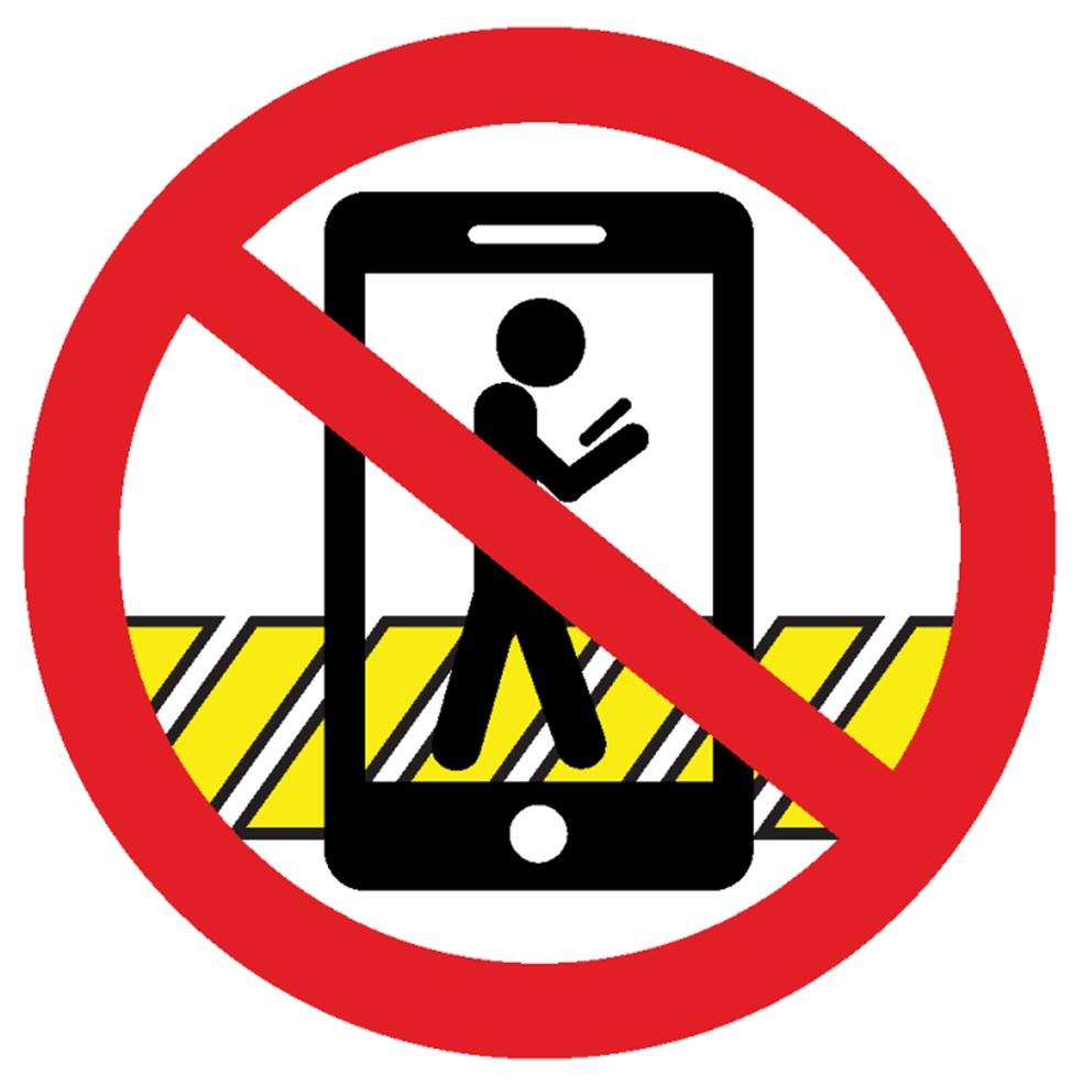 Cidade da Califórnia vai multar quem atravessar rua teclando ou falando ao celular (Foto: City of Montclair)