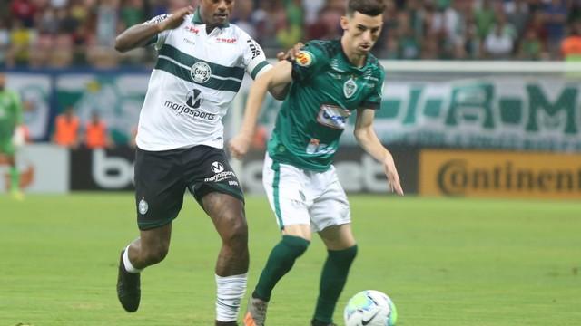 Manaus  conseguiu o gol no fim do primeiro tempo