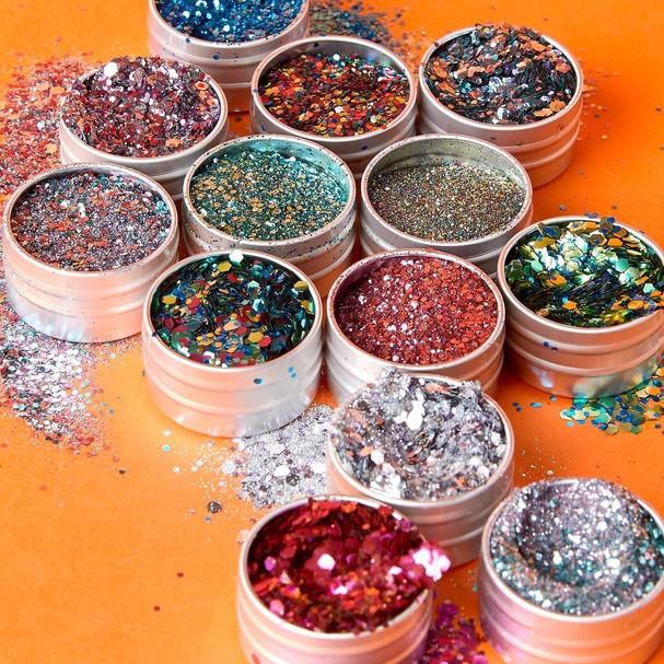 Carnaval: 14 marcas de glitter biodegradável para você brilhar  (Foto: Reprodução Instagram)
