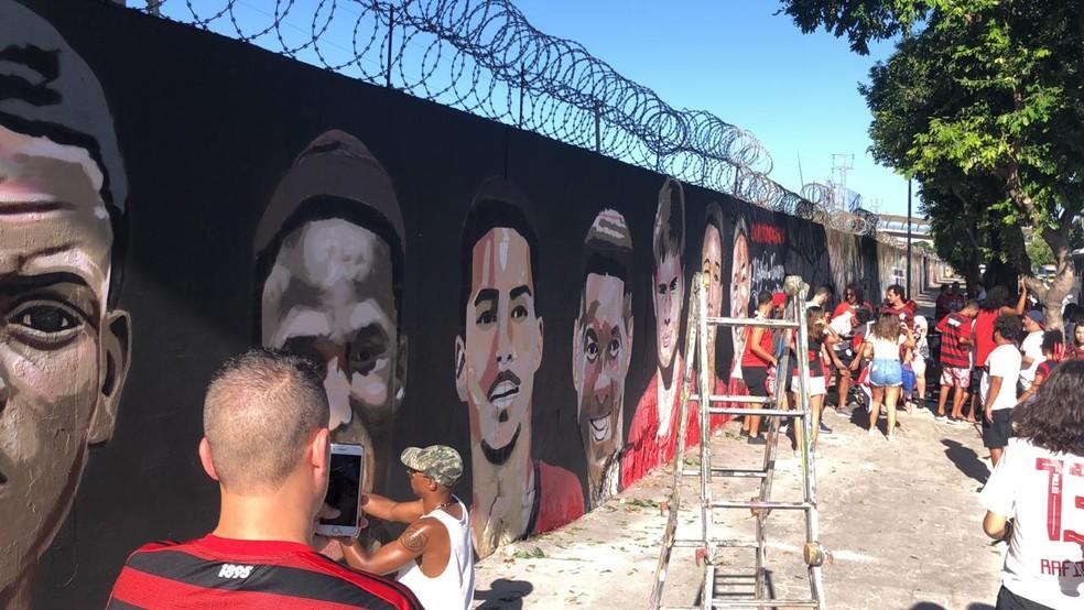 Homenagens no Maracanã para as vítimas do Ninho do Urubu — Foto: Raphael Zarko