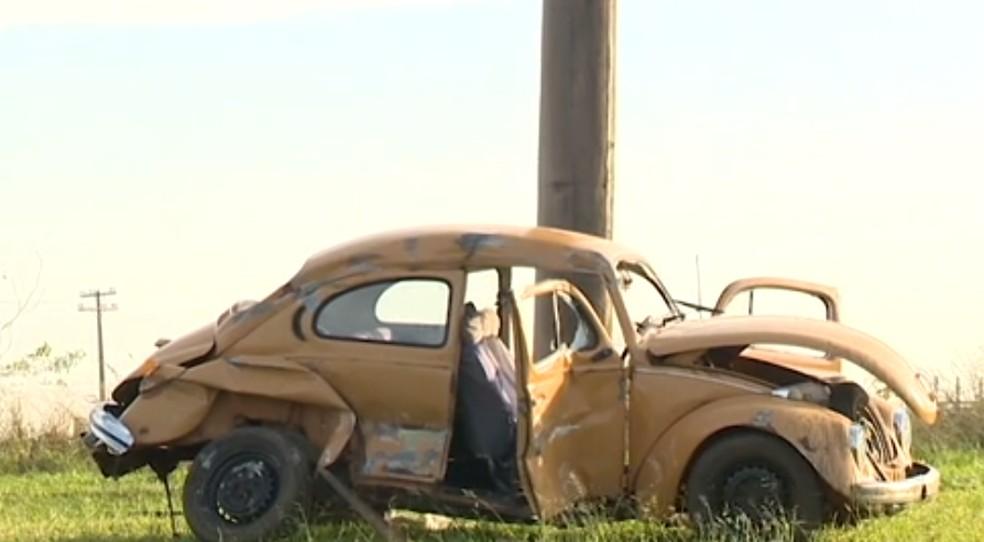 Condutor do VW Fusca morreu vítima do acidente (Foto: Reprodução/TV Fronteira)