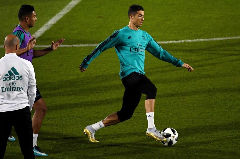 Cristiano Ronaldo treina pelo Real Madrid em Abu Dhabi (Foto: EFE/ Martin Dokoupil)