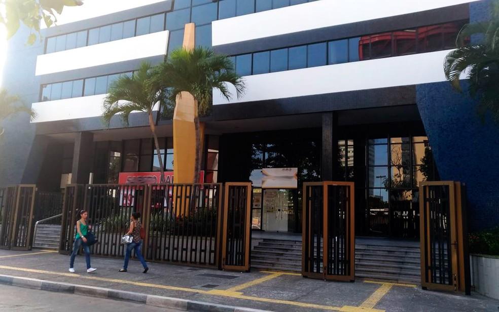 Sede da Leiaute fica em prédio comercial na Avenida Tancredo Neves (Foto: Juliana Almirante/G1)