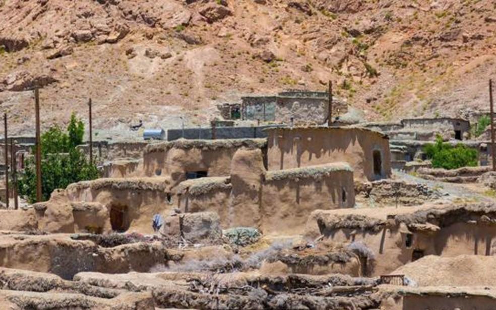 Até cerca de 100 anos atrás, alguns moradores de Makhunik tinham apenas um metro de altura (Foto: Mohammad M. Rashed/BBC)