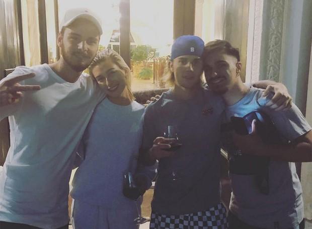 O casal foi tietado por fãs que encontraram na Itália (Foto: Instagram/ Reprodução)