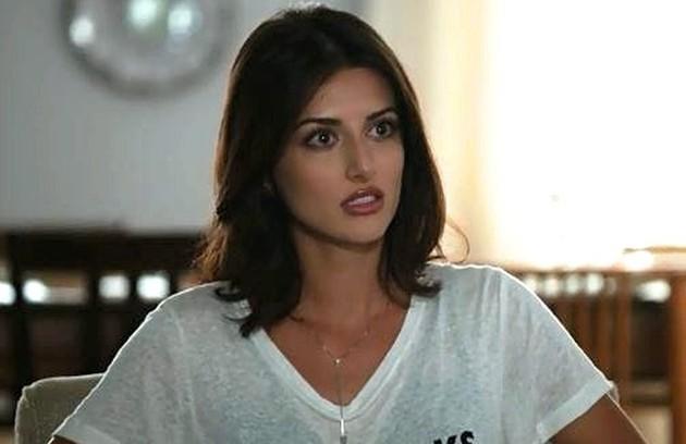 No segunda-feira (20), Camila (Anaju Dorigon) irá convencer Miguel (Paulo Betti) a ir na inauguração do cassino de Paul (Carmo Dalla Vecchia) (Foto: Reprodução)