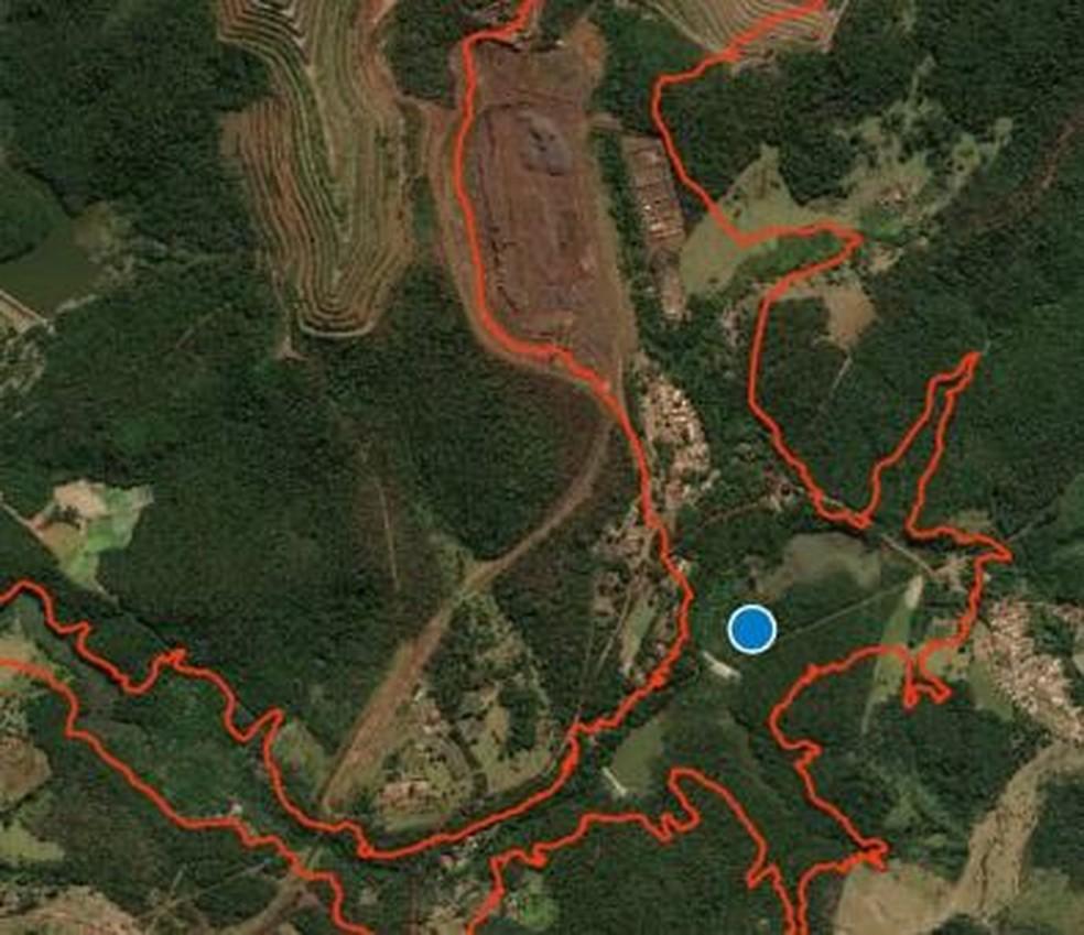 Corpo estava a cerca de 2 quilômetros da barragem B1 — Foto: Corpo de Bombeiros/Divulgação