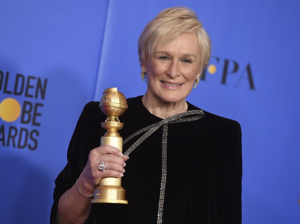 Glenn Close leva prêmio de melhor atriz em filme de drama por  'The wife' no Globo de Ouro 2019 — Foto: Jordan Strauss/Invision/AP