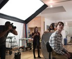 Noah Schnapp posa para Jeffrey Beasley, em Nova York. A foto é para o cartaz de 'Abe', longa de Fernando Grostein Andrade | Divulgação