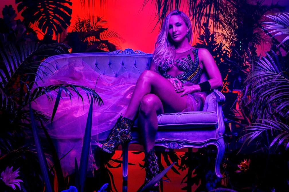 Claudia Leitte lança single em parceria com Pitbull, que estará com ela durante o carnaval de Salvador (Foto: Darren Craig/Divulgação)
