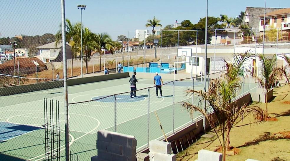 Bruno conheceu a quadra de esportes do Nucap (Foto: Reprodução EPTV)