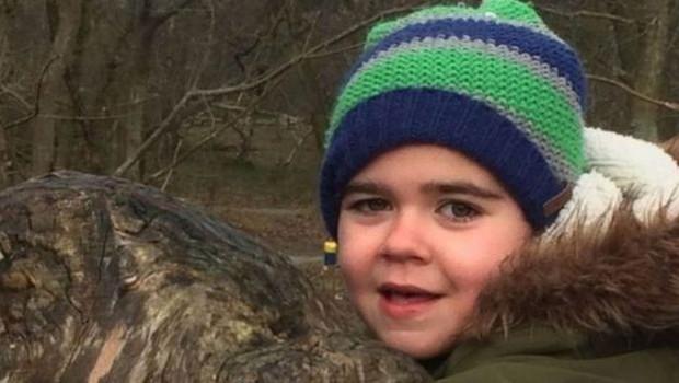 A mãe de Alfie Dingley, Hannah Deacon, disse que o óleo de cannabis ajudou a controlar a epilepsia do menino (Foto: Reprodução/PA (via BBC))