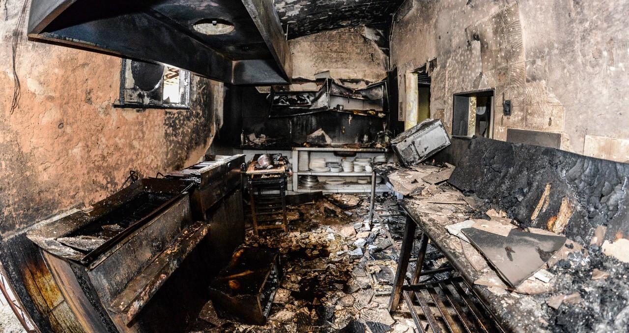 Incêndio destrói bar no bairro dos Bancários, em João Pessoa