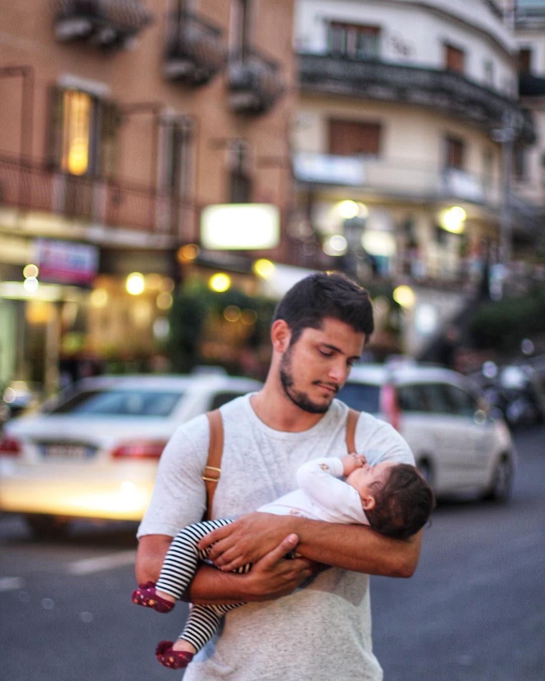 Para Bruno, segurar Madalena nos braços é segurar o amor em forma física (Foto: Reprodução/Instagram)
