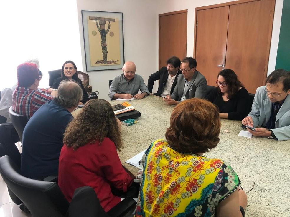 Representantes do Governo do RN se reuniram com Fórum dos Servidores Públicos nesta quinta-feira (28) — Foto: Julianne Barreto/Inter TV Cabugi