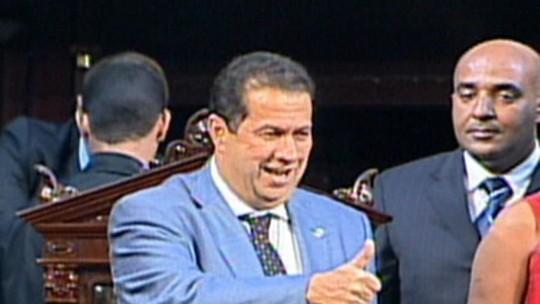 'Conduta pessoal de Lupi tornou seu comportamento pior que dos outros ministros', afirma Renata Lo Prete