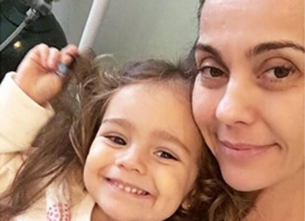Flávia Monteiro e a filha, Sophia (Foto: Reprodução/Instagram)