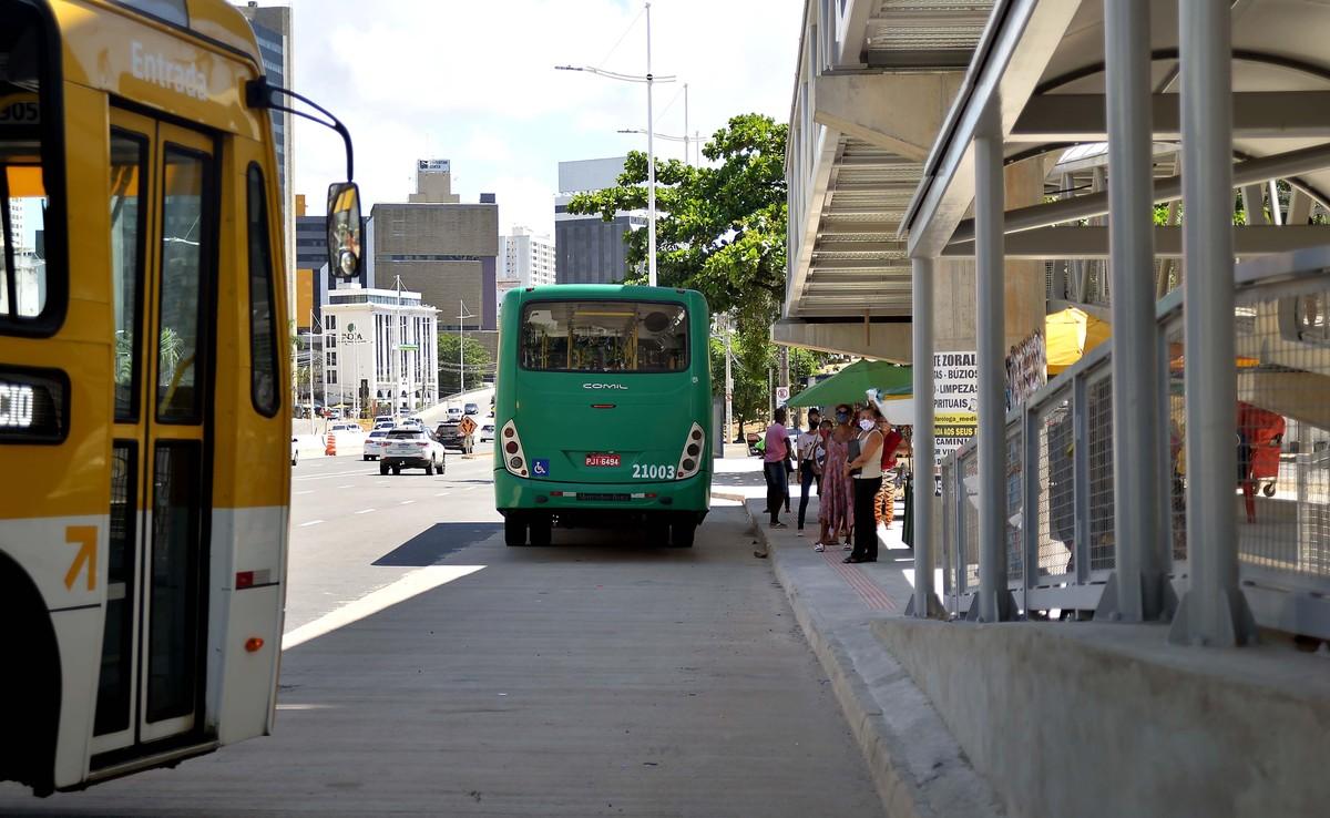 Transporte municipal de Salvador tem horário alterado após ampliação no toque de recolher; confira