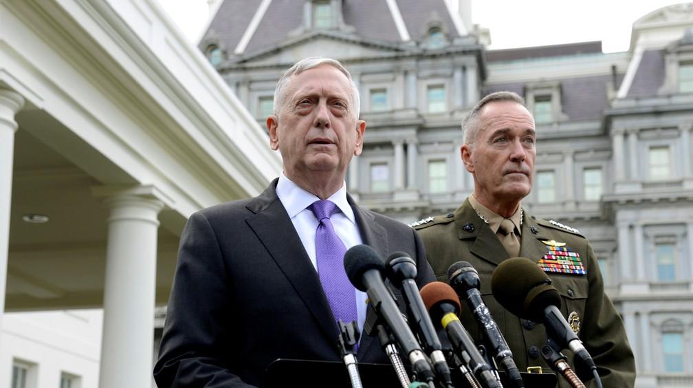 Secretário de Defesa dos EUA, James Mattis, promete esmagar a Coreia do Norte em caso de ataques (Foto: REUTERS/Mike Theiler)