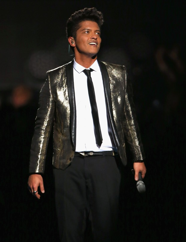Bruno Mars nos tempos do corpo mais magro (Foto: Getty Images)