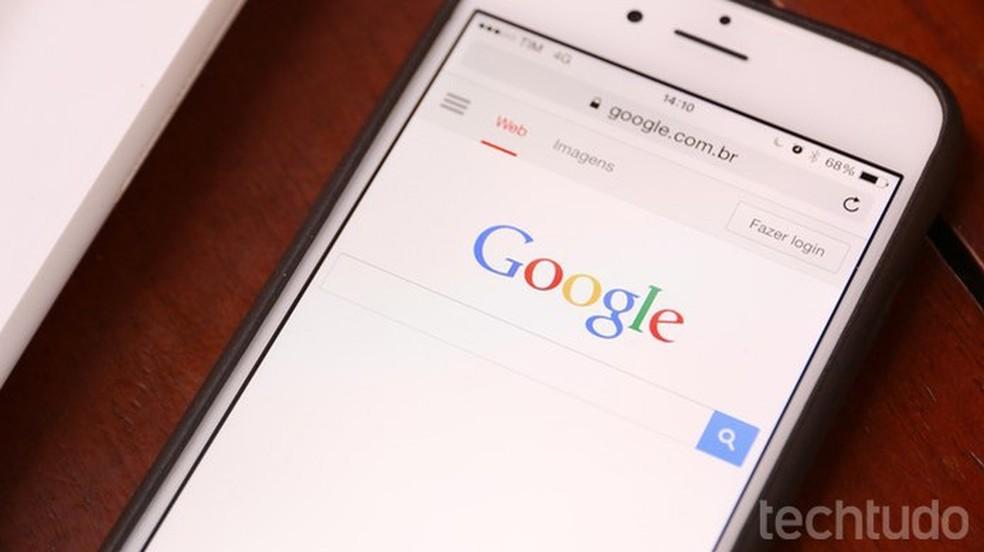 Tutorial mostra como usar um celular para deletar termos pesquisados no Google (Foto: Lucas Mendes/TechTudo)