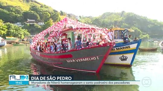 Moradores de Niterói celebram o dia de São Pedro