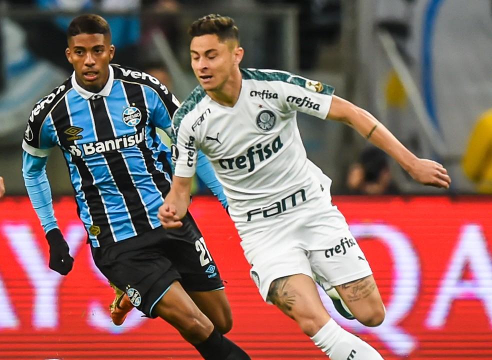 Diogo Barbosa em ação contra o Grêmio — Foto: Vinícius Costa/BP Filmes