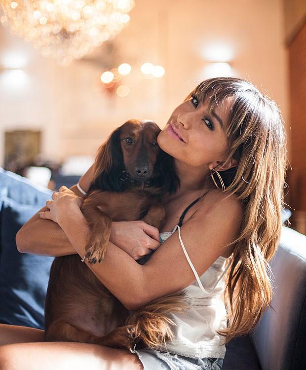 Sabrina Sato conta que o cão Bernando descobriu sua gravidez antes que ela percebesse (Foto: Instagram/ Reprodução)