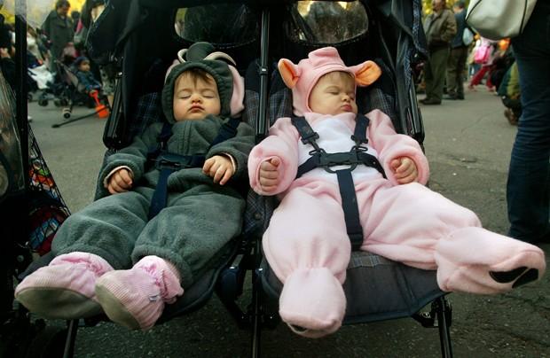 Quase sempre os gêmeos têm comportamentos e personalidades distintas (Foto: Mario Tama/Getty Images)