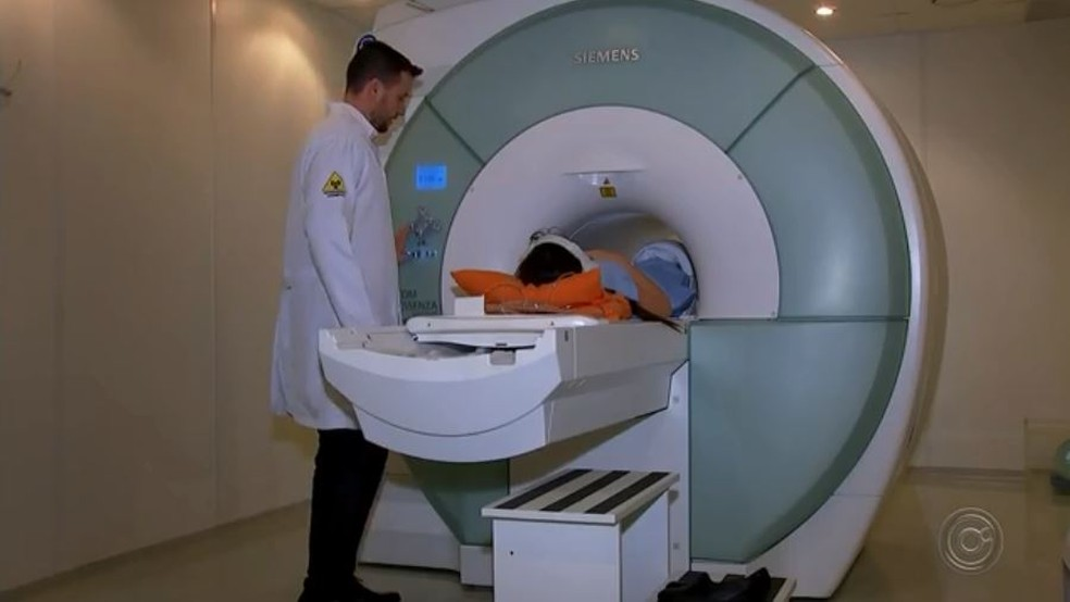 Máquina de ressonância magnética quebrada aumenta fila de espera pelo exame em Bauru — Foto: TV TEM/Reprodução