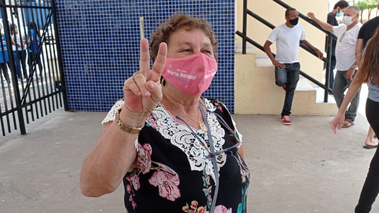 'É difícil, mas a vontade de passar é maior', diz idosa de 67 anos sobre preparação do Enem na pandemia