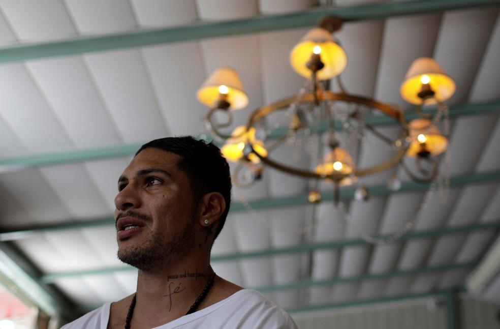 Guerrero durante entrevisa (Foto: Ricardo Moraes / Reuters)