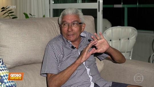 """Desempregado, técnico Givanildo Oliveira lamenta: """"À tarde não tem mais nada para fazer"""""""
