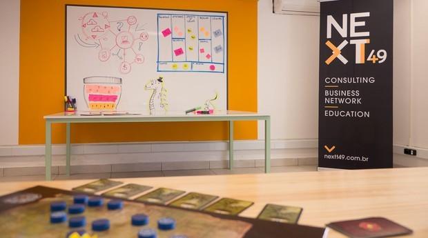 Objetivo do NEXTT 49+ é oferecer um espaço de coworking e mentoria aos profissionais nessa faixa etária. Foto: Divulgação.