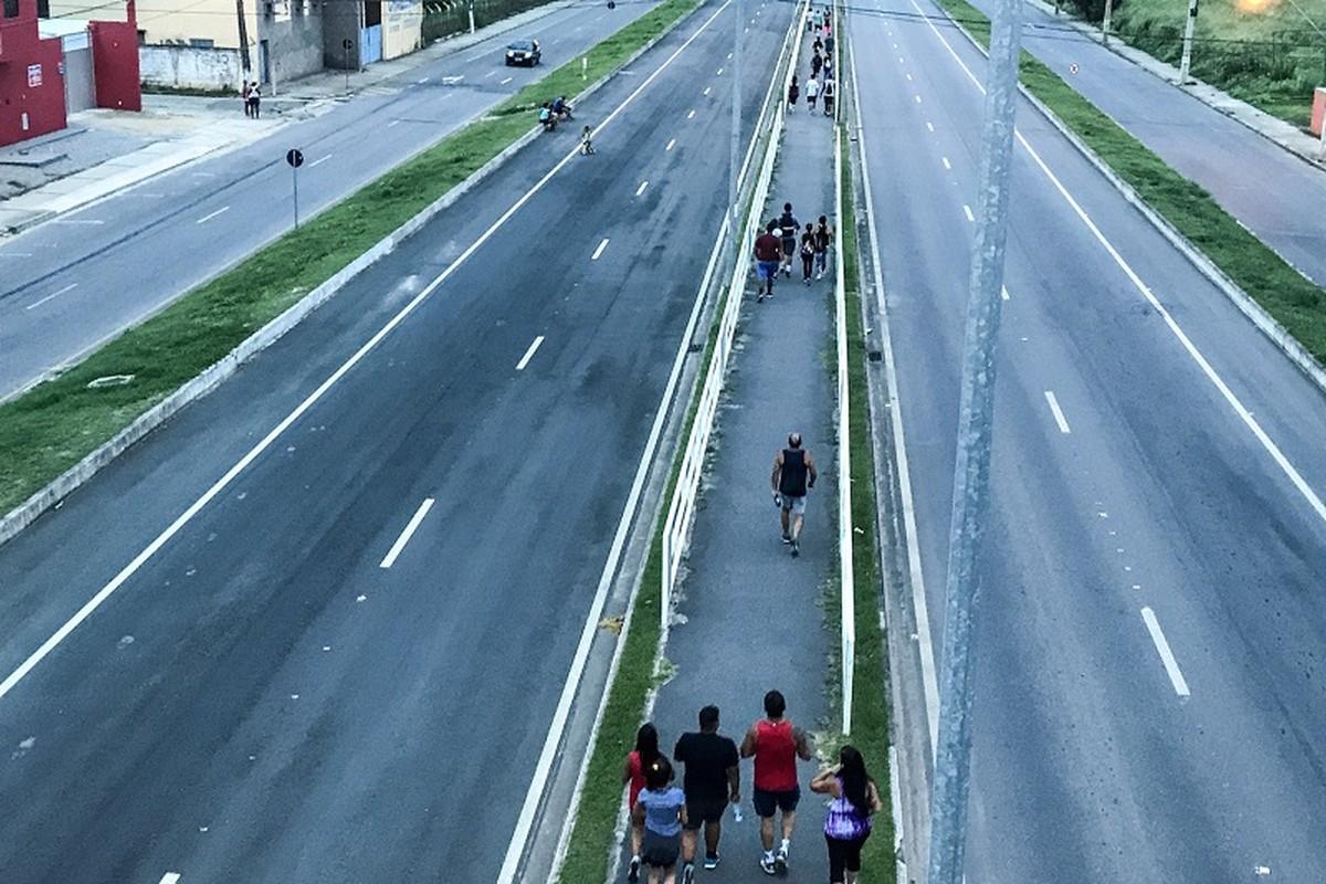 Devoção e fé marcam caminhada de romeiros até Santo Amaro, em Campos, no RJ