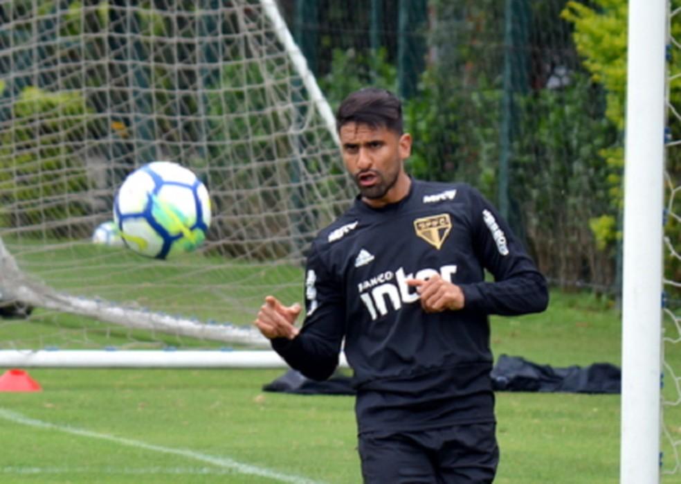 Tréllez pode ser envolvido em negociação com o Santos — Foto: Érico Leonan/saopaulofc.net