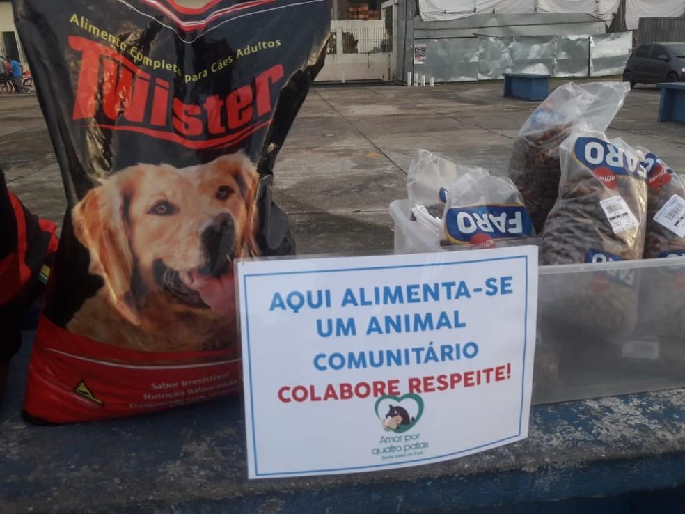 Os alimentos usados nos comedoros são obtidos por doação — Foto: Jéssica Brito