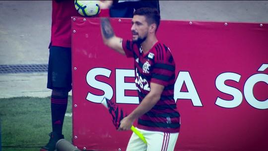 """A galope, Arrasca curte o Rio e a fase no Flamengo:  """"Sentimento de pertencimento ao clube muito grande"""""""