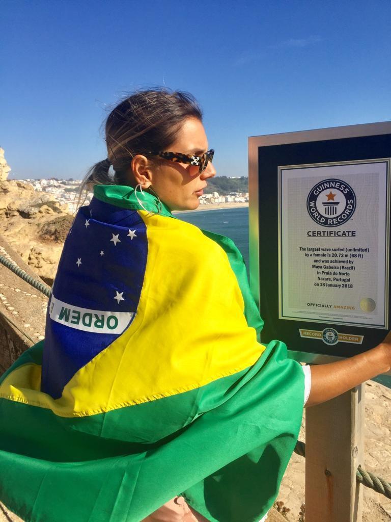 Maya Gabeira é a primeira surfista a entrar no Guiness Book (Foto: Divulgação)