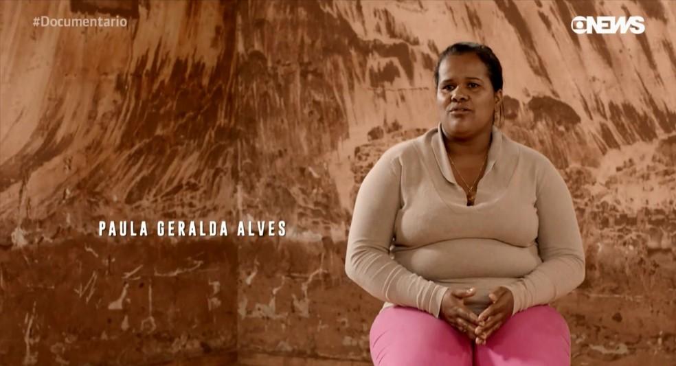 Paula Geralda Alves, moradora de Bento Rodrigues, conta em documentário de Walter Salles como foi o dia do rompimento da barragem de Mariana — Foto: Reprodução/ Vídeos Filmes e GloboNews