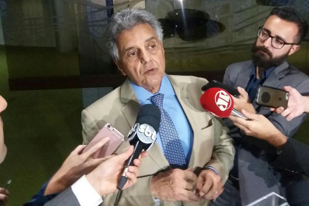 O deputado Beto Mansur, durante entrevista a jornalistas na Câmara dos Deputados nesta segunda-feira (24) (Foto: Bernardo Caram/G1)