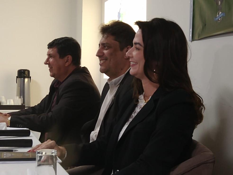 Cúpula da FPF discute situação do Paraibano: Michelle Ramalho, Otamar Almeida e Arthur Alves estiveram na reunião de sexta-feira — Foto: Vitor Oliveira / GloboEsporte.com