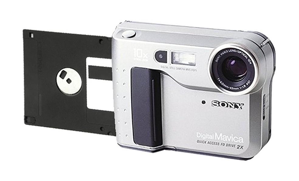 Sony Mavica FD7, cameră digitală cu intrare 3,5 inch dischetă - Foto: Disclosure / Sony