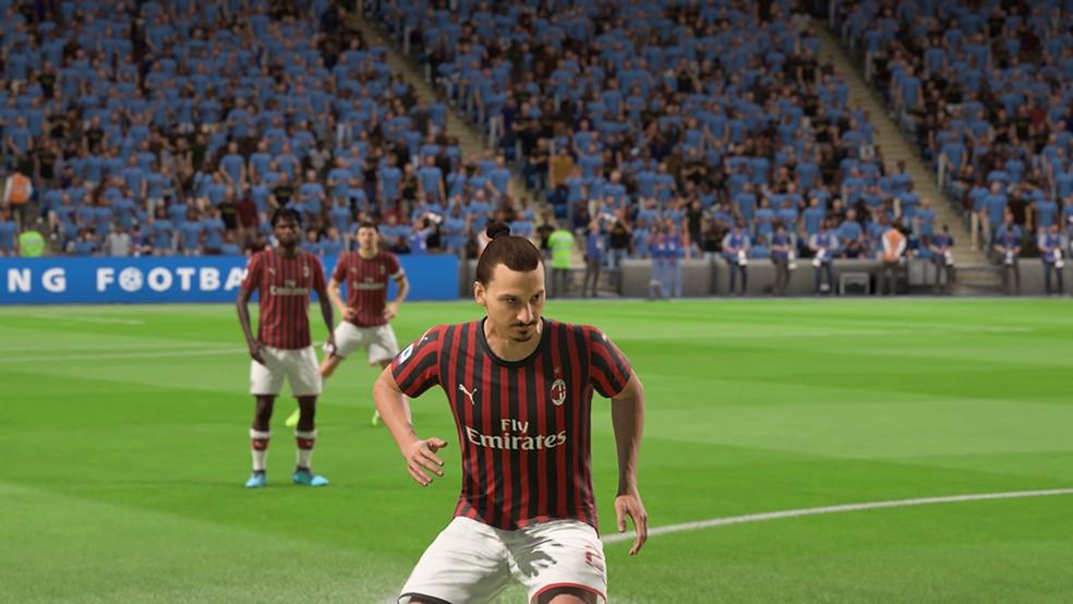 O sueco Zlatan Ibrahimovic segue atuando em alto nível — Foto: Reprodução/André Magalhães