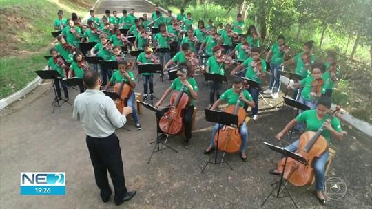 Orquestra transforma vida de crianças e adolescentes da zona rural de Glória do Goitá