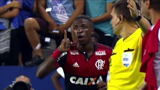 """Comentarista afirma que Vinicius Junior tem """"capacidade rara de decisão"""""""