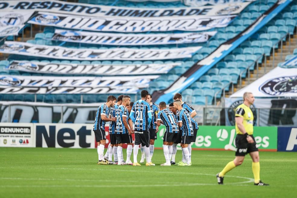 Jogadores do Grêmio reunidos antes da final na Arena — Foto: Lucas Uebel/DVG/Grêmio