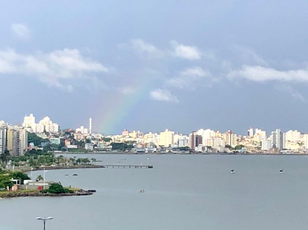 Amanhecer em Florianópolis nesta sexta-feira — Foto: Antonio Neto/ NSC TV