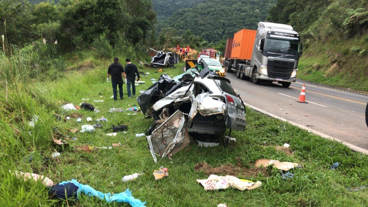 Três pessoas morrem em acidente na BR-277, diz Corpo de Bombeiros